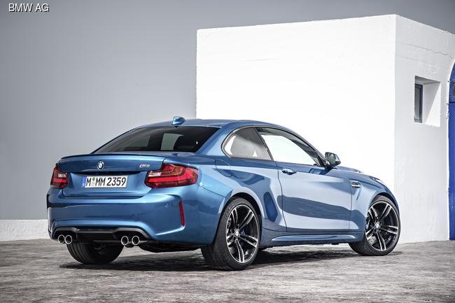 BMW презентовала купе M2 с 370-сильным турбомотором