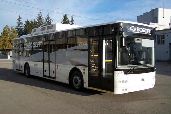 «Богдан» показал в Бельгии гибридный автобус