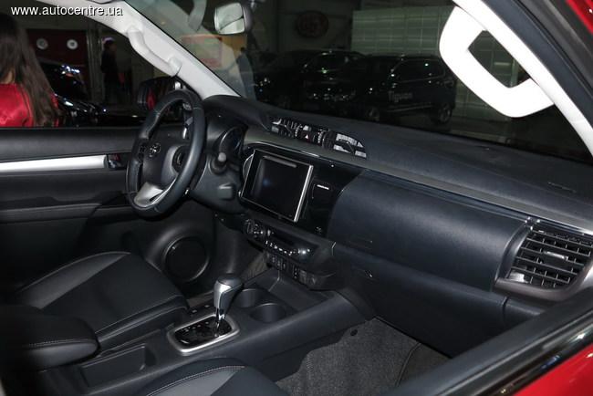 «Интер Агро Комплекс 2015»: новый Toyota Hilux и не только