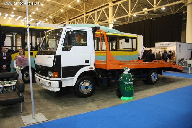 Автосалон TIR 2015: новые автобусы и грузовики «Эталон»