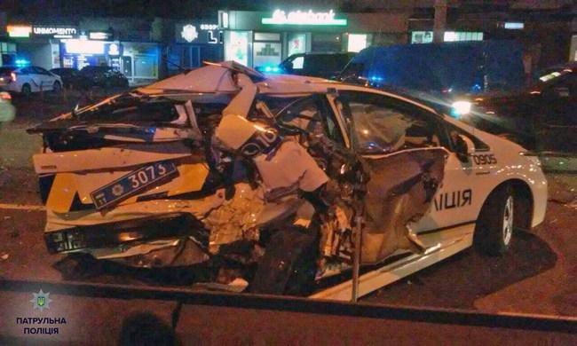 Toyota Prius спасла жизнь полицейским