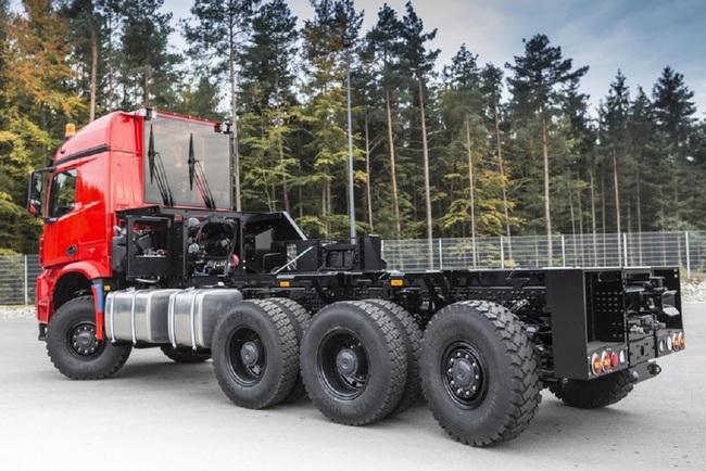дерево-дробильная машина Biper Power Truck Turox