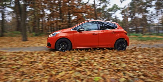 У нас на тесте: обновленный Peugeot 208