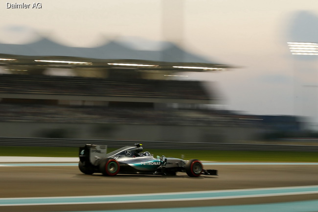 Сезон Формулы 1 закончился сокрушительной победой команды Mercedes AMG