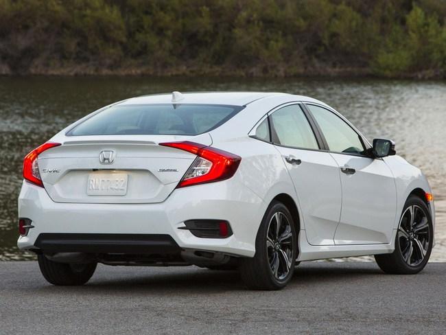 В США Honda Civic получил «Автомобиль года»