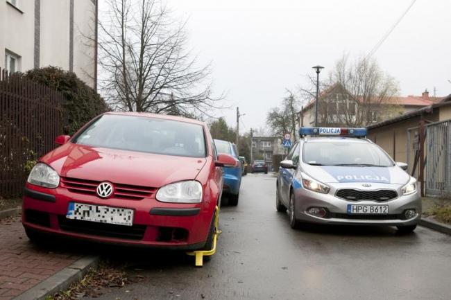 Автомобиль президента Польши заблокировали (+ВИДЕО)