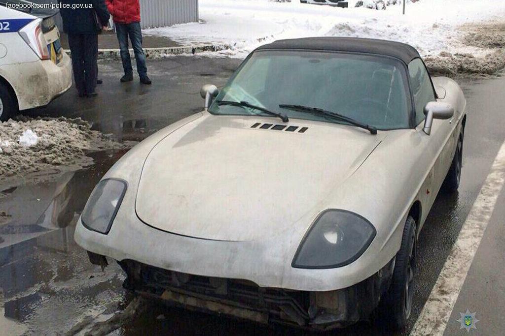 Патрульная полиция Киева задержала поддельный Porsche