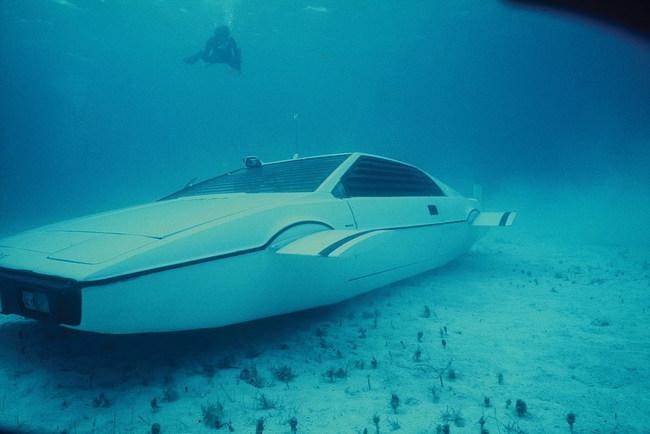 Автомобиль на миллион для Джеймся Бонда и Элона Маска