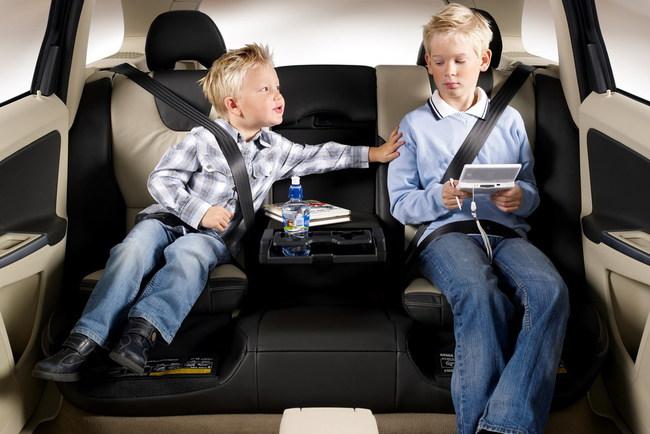 Перевозим детей безопасно
