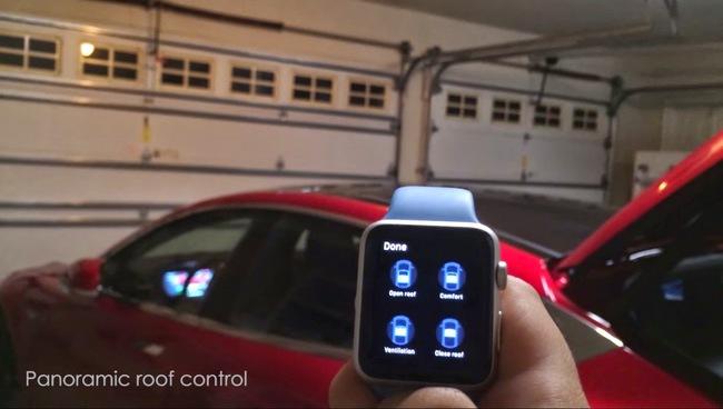 Выводим Tesla Model S из гаража - с помощью часов Apple Watch (+ВИДЕО)