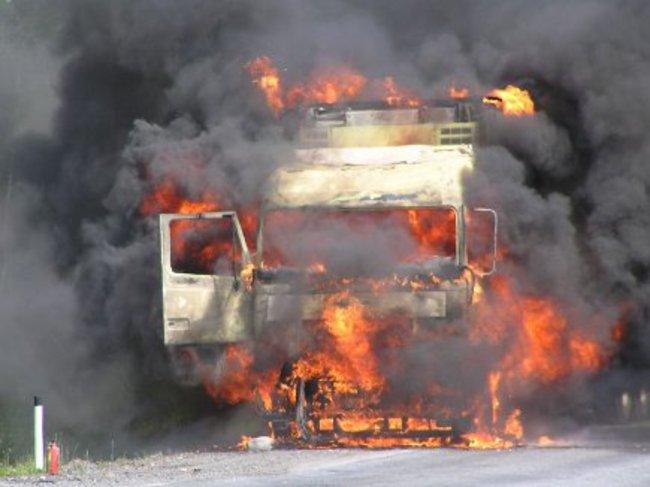 Стала известна причина возгорания российской фуры на трассе Киев – Чоп