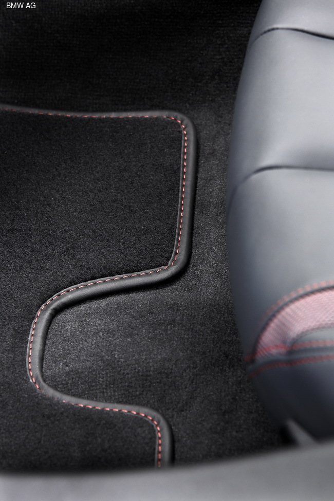 Женевский автосалон 2016: BMW «заряжает» электрокары