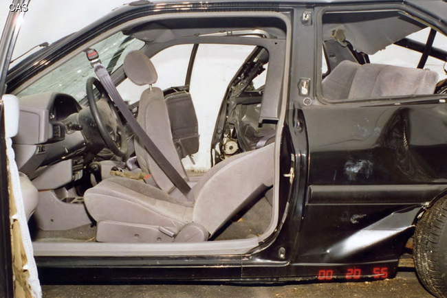 Как уберечь ребенка от аварии в автомобиле