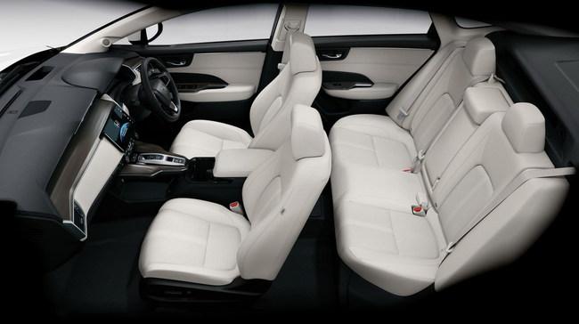 Стартовали продажи водородной Honda Clarity Fuel Cell