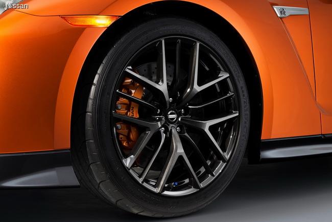 Нью-Йоркский автосалон 2016: Nissan GT-R обновился и стал мощнее