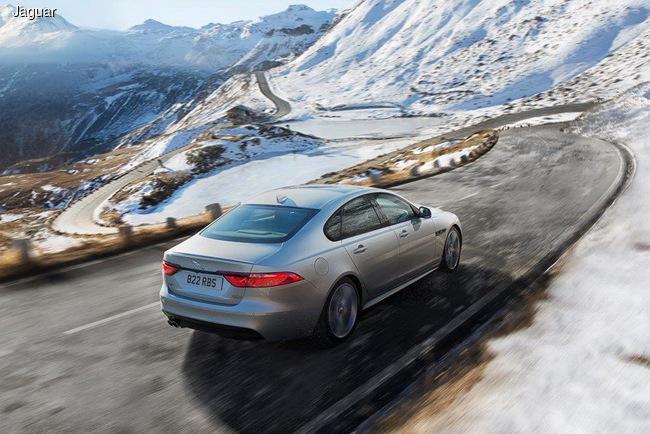 Jaguar XF 2017 модельного года: с дизельным двигателем и полным приводом