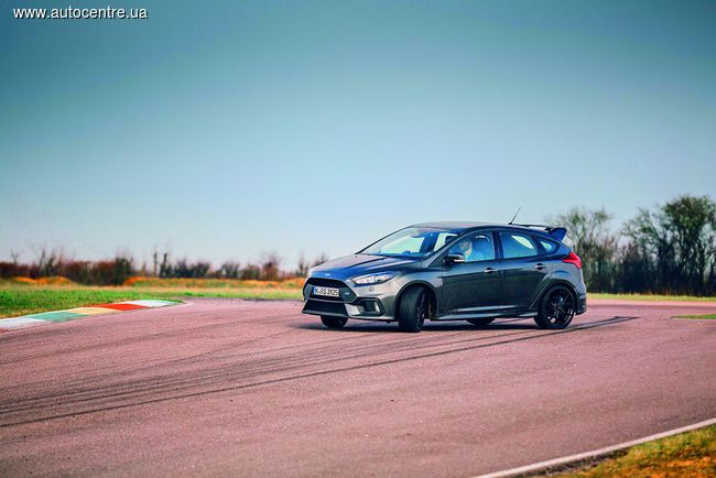Тест Ford Focus RS: Суперфокус