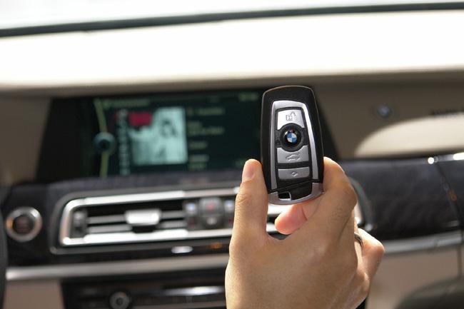 """Attēlu rezultāti vaicājumam """"BMW ключи в руке"""""""