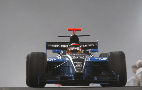 гонка 2-го этапа серии GP2 Asia