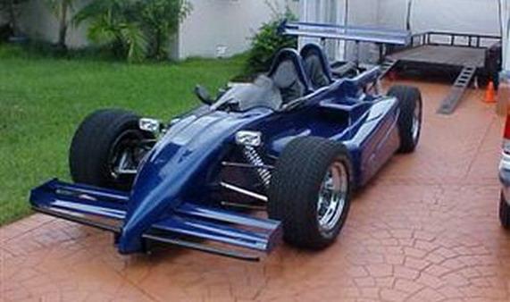 Том Круз,гоночного болида серии IndyCar