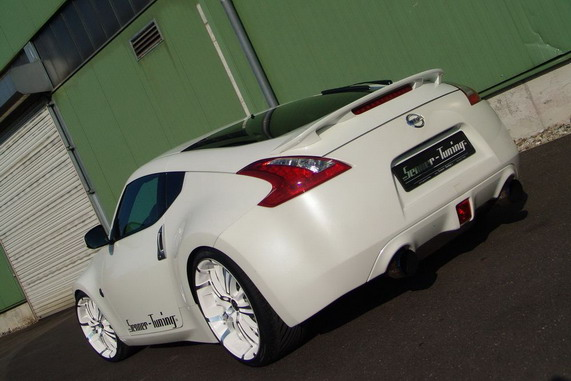 купе Nissan 370Z