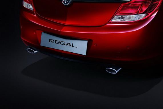 седан Buick Regal