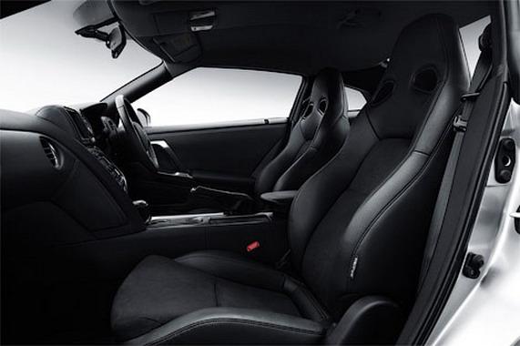 Обновленный Nissan GT-R