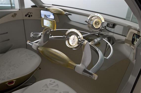 Электромобиль Toyota