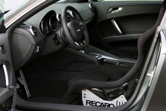 Тюнингованный Audi TT RS